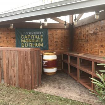 Bar d'extérieur en bois exotique région DINARD