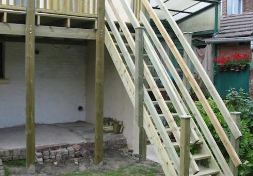 Terrasse supendue PIN SYLVESTRE par LEMAN à MERLIMONT ( 62 )