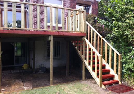 Terrasse supendue Escalier en PADOUK avant viellissement - WAMBRECHIES ( 59 )