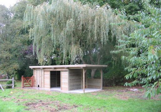carport bois abri pour chevaux sur mesure bethune 62 th leman. Black Bedroom Furniture Sets. Home Design Ideas