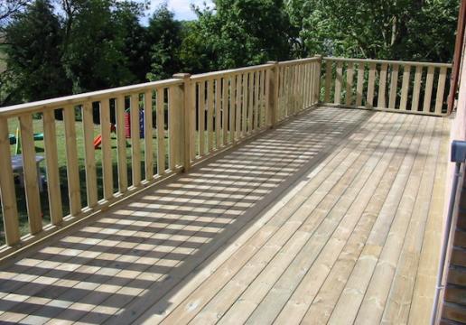 terrasse suspendue bois avec rambardesen pin sylvestre r gion du nord 59 th leman. Black Bedroom Furniture Sets. Home Design Ideas
