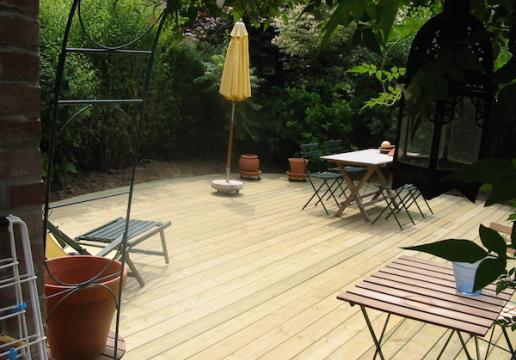 Terrasse bois en pin ombragée LEMAN - Région VALENCIENNES ( 59 )