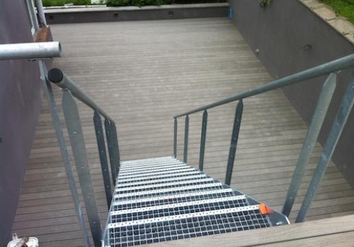 Terrasse en bois composite FIBERON PRO GRIS avec clips invisibles - REGION DE LILLE ( 59 )