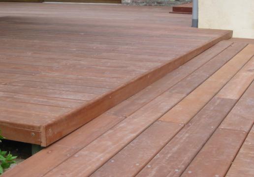 Escalier bois et Terrasse en bois exotique PARAJU REGION VALENCIENNES  ( 59 )