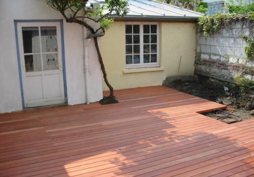 Terrasse en bois exotique PARAJU dans maison de ville - LILLE ( 59 )